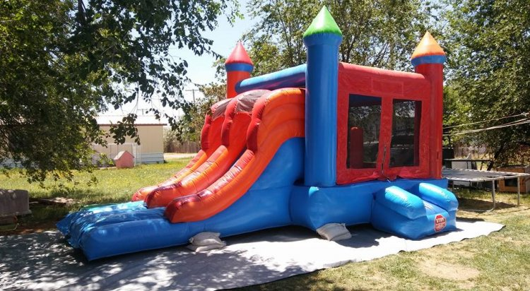 Bounce House Double Slide Dry Combo (with basketball hoop)